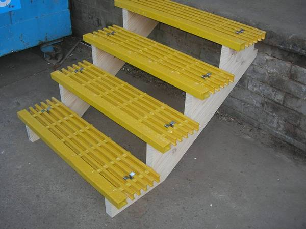 Frp Grp Pultruded Grating Ada Compliant Walkways Amp Heavy